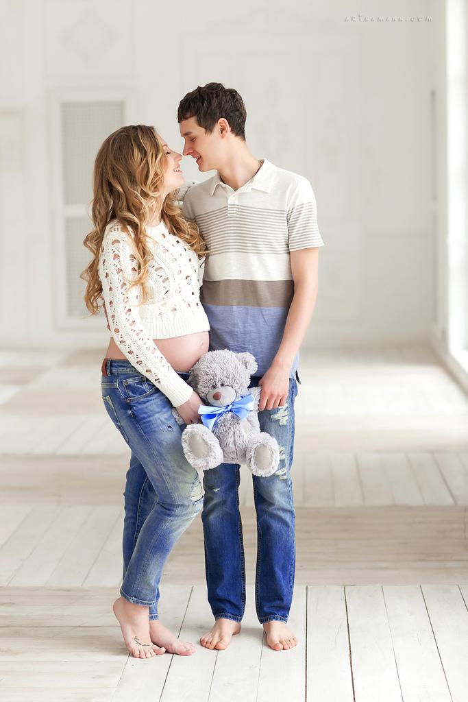 Фотосессия беременных с мужем и сыном в студии 33