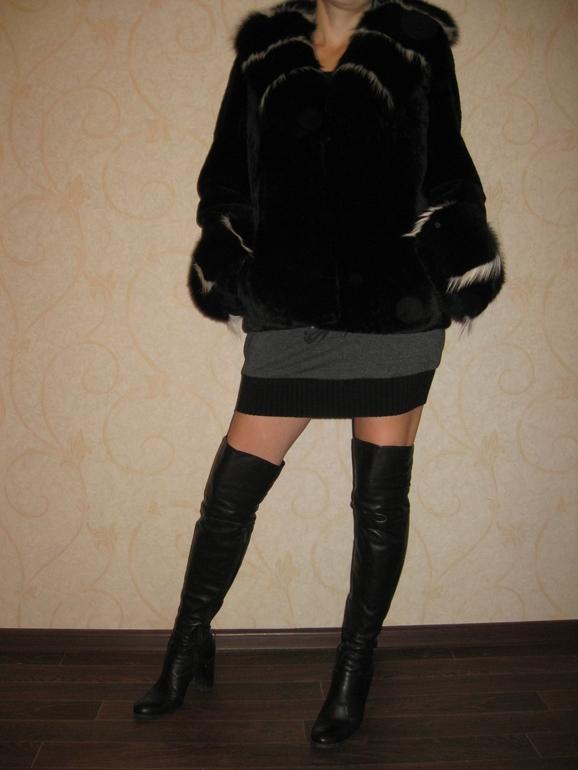 Полушубок  мутон/пецец  46-48р-р,куртка  46-50  р-р(можно  на  беременость).возможен  обмен.