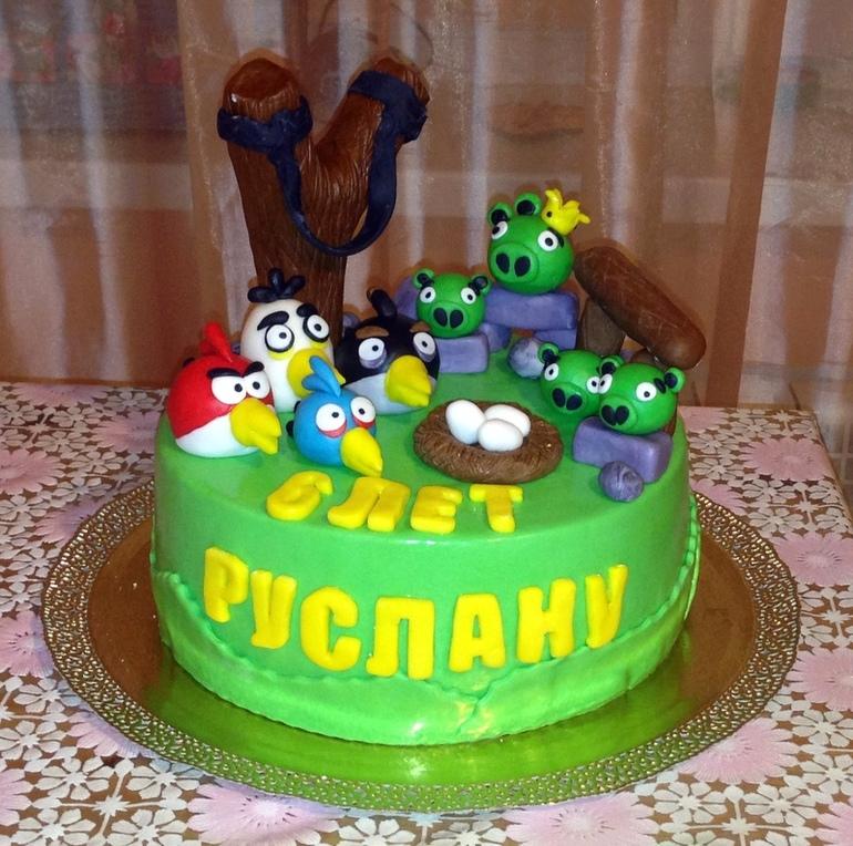 первый тортик со злыми птичками:)))