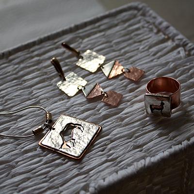 медь и серебро-
