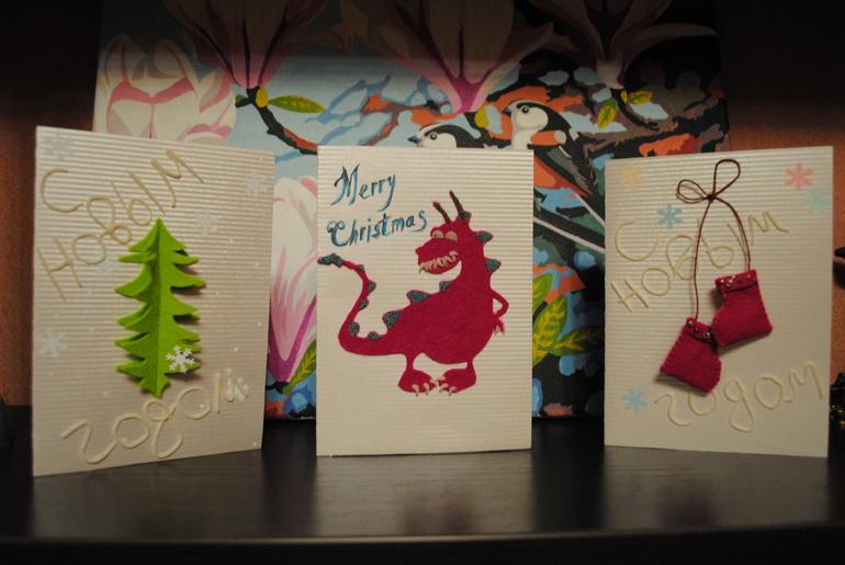 Скоро  Новый  год,  а  это  пора  отличного  настроения,  каникул  и  приятнх  сюрпризов.  А  какой  же  новый  год  без  праздничной  открытки?  Предлагаю  Вам  свои  услуги  по  изготовлению  индивидуальных  открыток  ручной  работы!  Пишите  в  личку
