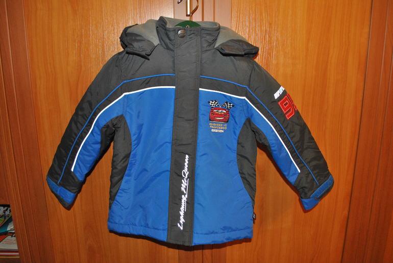 Куртка С&А Disney р.110 цена 1200р