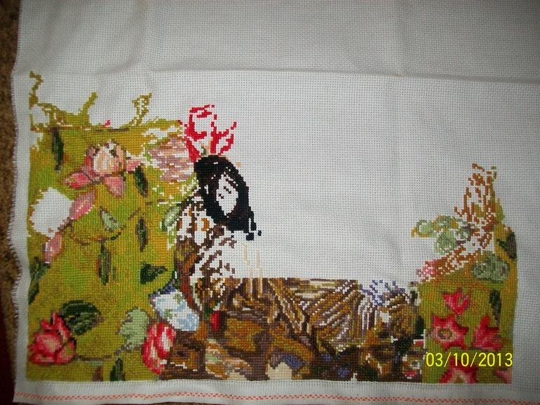 Вышивка дамы с веером