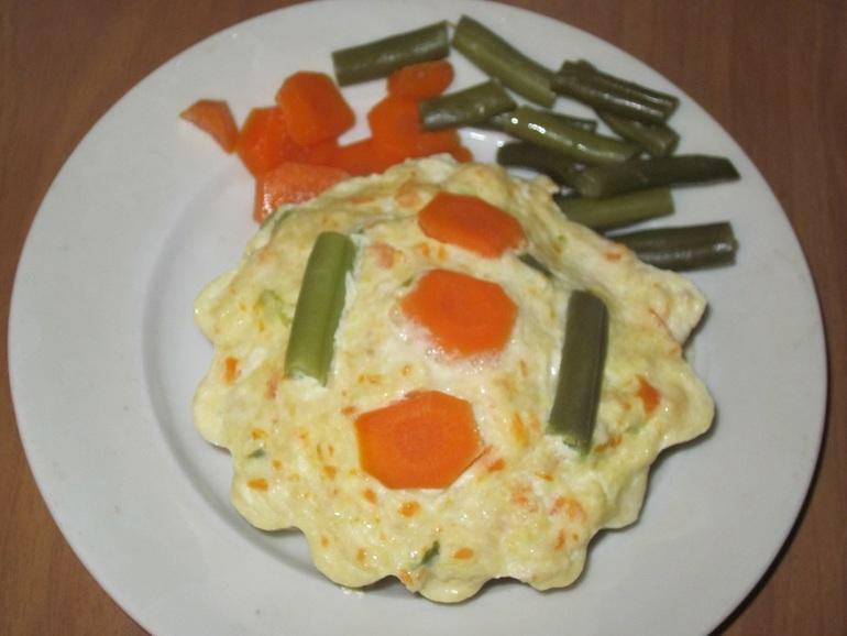 Паровое мясное суфле с овощами.