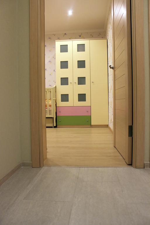Разного цвета ламинат в квартире