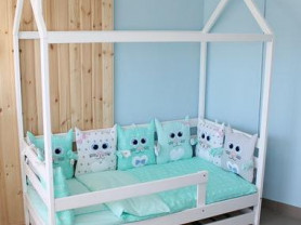 Детская кроватка домик + матрас
