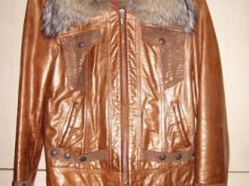 Кожаная куртка с воротником из койота+джинсы