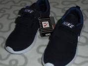 Новые кроссовки Nike, 32 размер