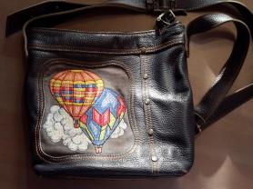 Женская сумочка из натуральной кожи с вышивкой син