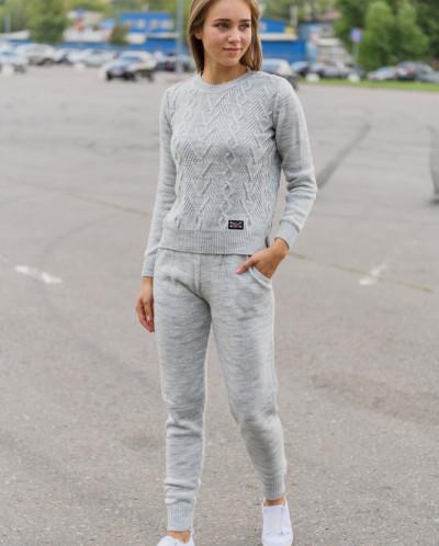Женский вязанный костюм арт.385 светло-серый