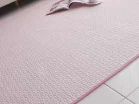 Светло розовый безворсовый ковер Fresh 100 x 150