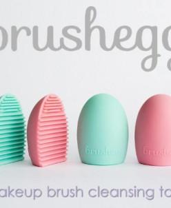 Щетка для чистки кистей Brushegg Цвет Ассорти