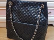 Новая кожаная черная сумка на цепочке Италия