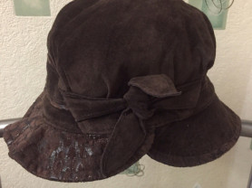 Новая шляпка из нат. замши на утепл. подкл. Amur