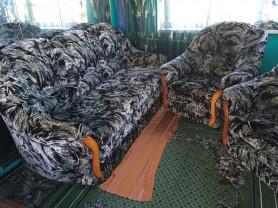 Диван-софа и два кресла
