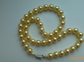 ожерелье из иск.жемчуга