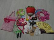 Пакет игрушек, сумок, книг, украшений, ручки в дар