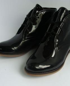 Лаковые черные кожаные ботинки