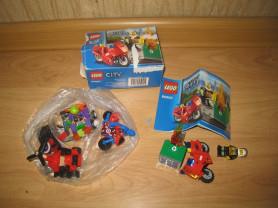 LEGO City 60000 Пожарный на мотоцикле