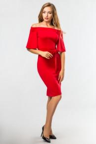 платье с открытыми плечами и поясом