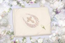 Крестильное полотенце-уголок с орнаментом