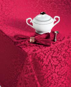 Набор столового белья Арабель (бордо) 150х150см