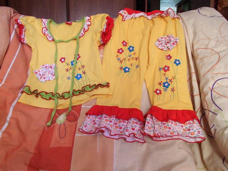 Пижама для девочки на рост от 92 см. с запасом (б\у 1 раз)
