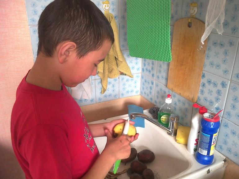 Сын подсмотрел за матерью в туалете и зашол 30 фотография