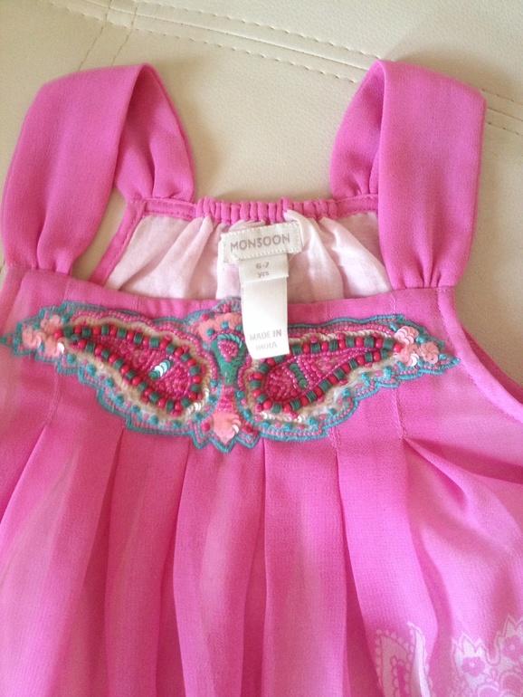 Платье  Monsoon  на  девочку  6-7  лет  цена  1700