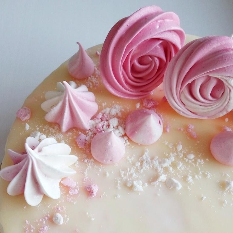 Цветные меренги для украшения торта
