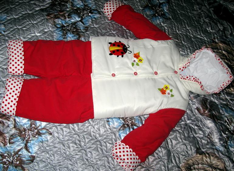 Новый костюм демисезонный (весна-осень) размер 2-3 года
