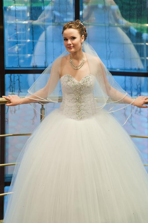 Свадебное платье всего за 3000 + фата !!!стоило 18000