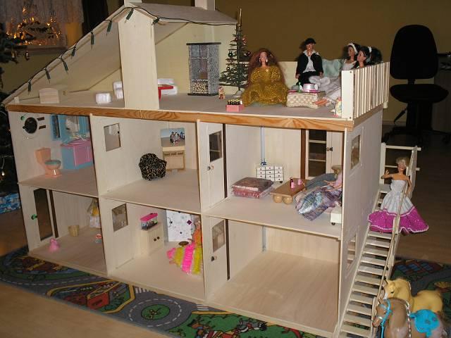 Домик для куклы своими руками с мебелью