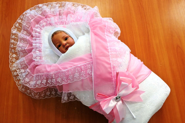 Б у конверты на выписку для новорожденных