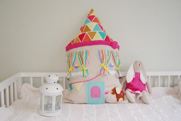 Подушка-дом