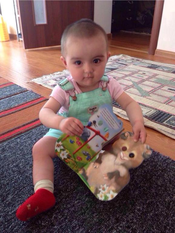 Любим книжки сестры)))