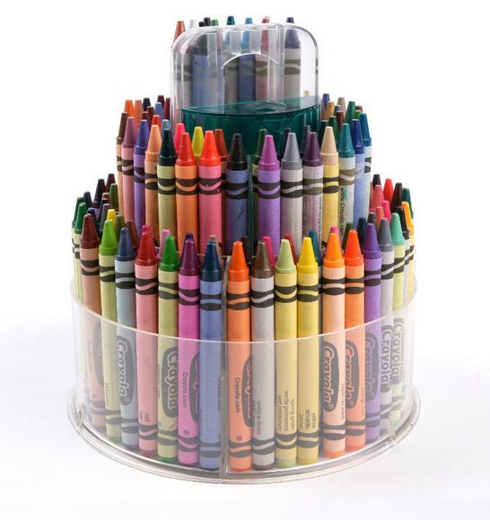 Наборы для рисования: карандаши, фломастеры, масляные карандаши, мелки.