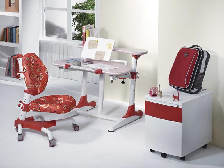 ДЕТСКИЕ парты стулья и модульная мебель.