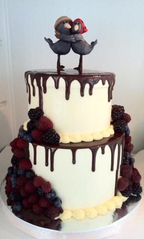 двухъярусные свадебные торты без мастики фото