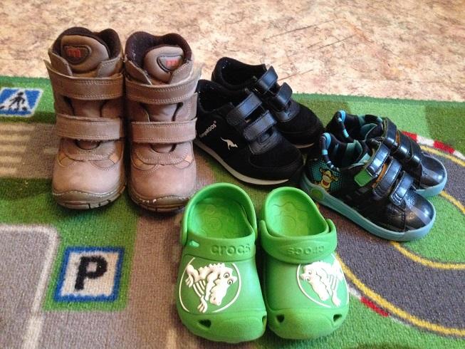 Продам обувь 21, 22, 23 и 24 размеров. ер 6-7 (22-23) цена 250 руб.