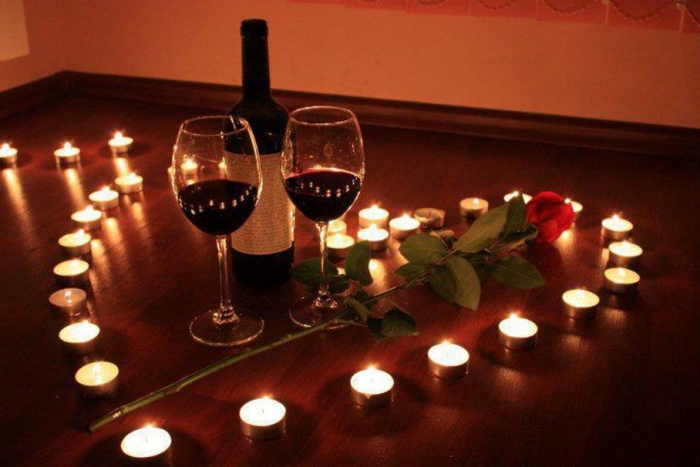 Заказать качественный романтический вечер в ресторане ДЭМ