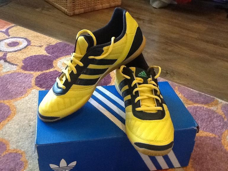 Кроссовки Adidas р-р 42