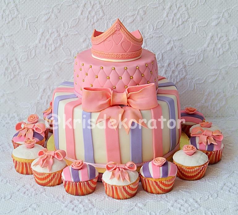 Торт и капкейки на день рождения девочке
