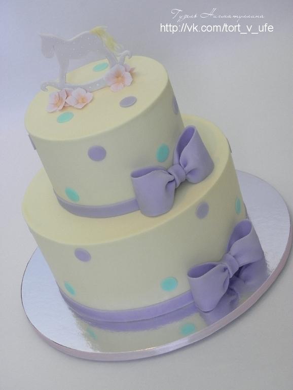 Торт двухъярусный с лошадкой)