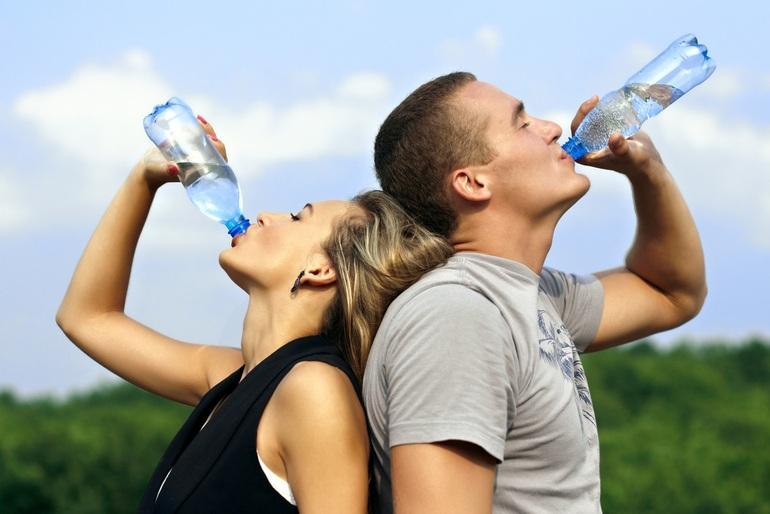 Симптомы 4 Почему так важно пить воду и взрослым, и детям?