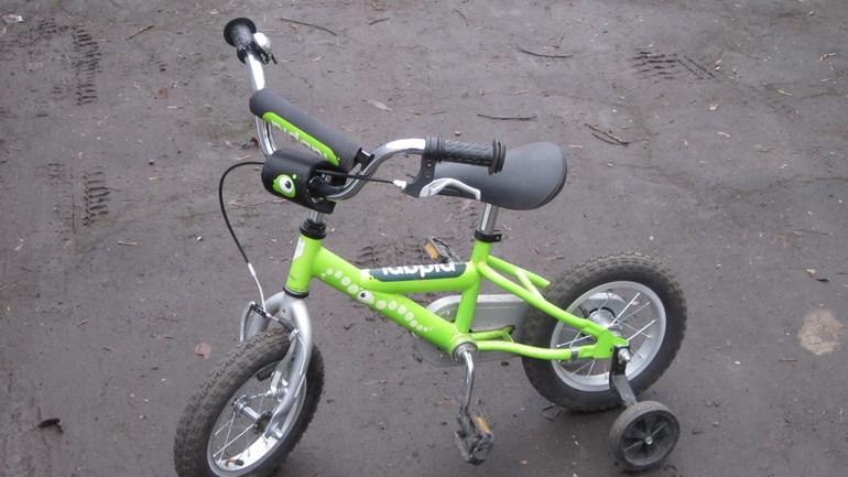 Продам велосипед на 3-4 года в отличном состоянии