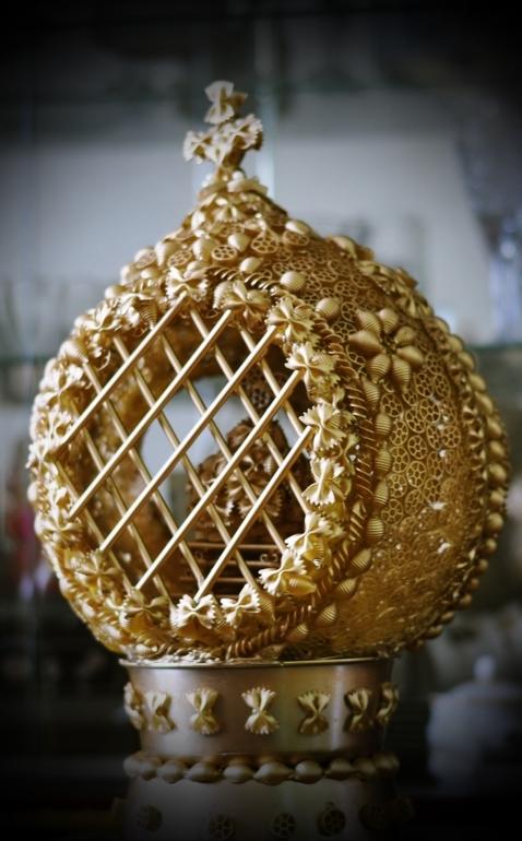 Поделки к Пасхе из макарон: Яйцо, ангелочки
