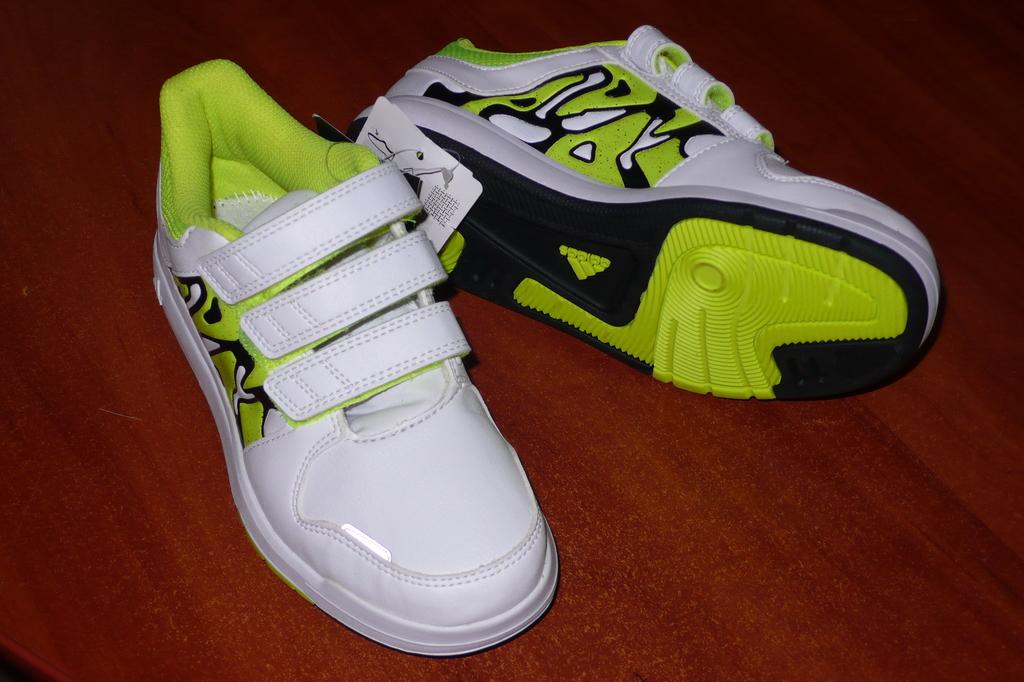 Новые Adidas р-р 33
