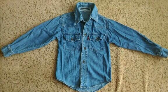 Джинсовая рубашка Levis на 3-4 г