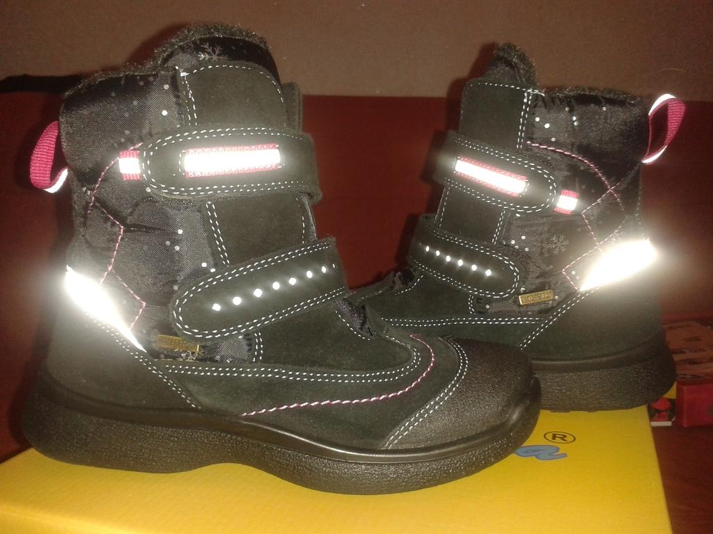 Новые зимние ботинки р.31